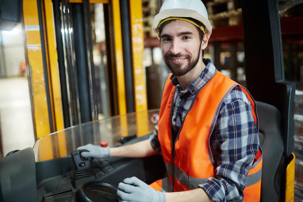 Anyagmozgató- és speciális szállítógépek kezelése