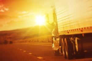 Biztos jövedelemre szeretne szert tenni? Szerezzen teherautós jogosítványt!